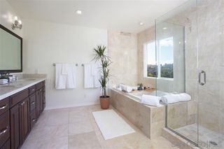 Photo 14: LA JOLLA House for sale : 4 bedrooms : 918 SANDPIPER PL