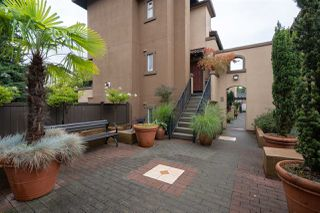 """Photo 5: 15 3036 W 4TH Avenue in Vancouver: Kitsilano Condo for sale in """"Santa Barbara"""" (Vancouver West)  : MLS®# R2483963"""