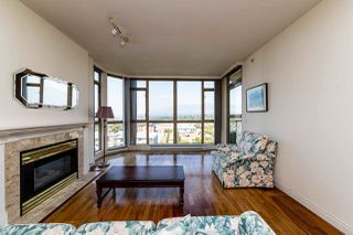 """Photo 2: 805 160 W KEITH Road in North Vancouver: Central Lonsdale Condo for sale in """"Victoria Park West"""" : MLS®# R2496437"""