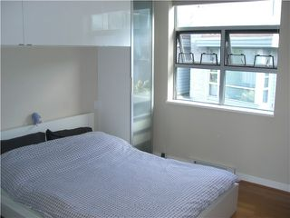 "Photo 7: # 9 1250 W 6TH AV in Vancouver: Fairview VW Condo for sale in ""SILVER"" (Vancouver West)  : MLS®# V892731"