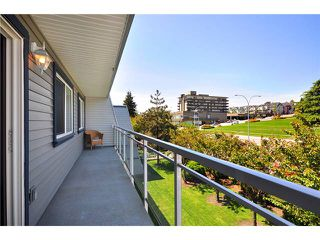 "Photo 5: # 312 550 ROYAL AV in New Westminster: Downtown NW Condo for sale in ""HARBOURVIEW"" : MLS®# V886949"