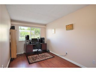 "Photo 4: # 312 550 ROYAL AV in New Westminster: Downtown NW Condo for sale in ""HARBOURVIEW"" : MLS®# V886949"