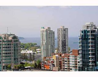 """Photo 7: 2405 1255 SEYMOUR Street in Vancouver: False Creek Condo for sale in """"ELAN"""" (Vancouver West)  : MLS®# V707197"""