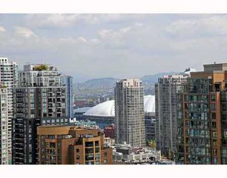 """Photo 10: 2405 1255 SEYMOUR Street in Vancouver: False Creek Condo for sale in """"ELAN"""" (Vancouver West)  : MLS®# V707197"""