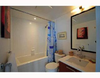 """Photo 5: 2405 1255 SEYMOUR Street in Vancouver: False Creek Condo for sale in """"ELAN"""" (Vancouver West)  : MLS®# V707197"""