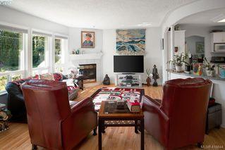 Photo 4: 906 Parklands Dr in VICTORIA: Es Gorge Vale House for sale (Esquimalt)  : MLS®# 826499