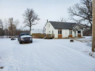 Photo 1: 169 Forbes Road in Winnipeg: South St Vital Residential for sale (2M)  : MLS®# 1932570