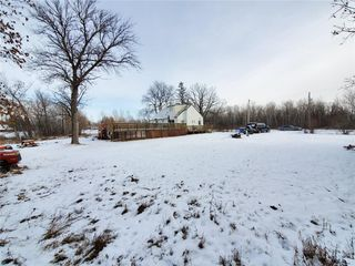 Photo 2: 169 Forbes Road in Winnipeg: South St Vital Residential for sale (2M)  : MLS®# 1932570
