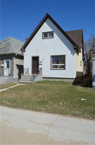Photo 1: 847 William Avenue in Winnipeg: Weston Residential for sale (5D)  : MLS®# 202001796