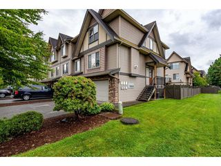 """Photo 1: 68 5556 PEACH Road in Chilliwack: Vedder S Watson-Promontory Townhouse for sale in """"The Gables at Riverbend"""" (Sardis)  : MLS®# R2453710"""