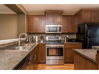 """Photo 12: 68 5556 PEACH Road in Chilliwack: Vedder S Watson-Promontory Townhouse for sale in """"The Gables at Riverbend"""" (Sardis)  : MLS®# R2453710"""