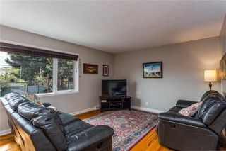 Photo 8: 12 HESTON Street NW in Calgary: Highwood Detached for sale : MLS®# C4299832