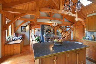 Photo 8: 1947 CRYSTAL Crescent: Roberts Creek House for sale (Sunshine Coast)  : MLS®# R2473206