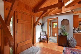 Photo 5: 1947 CRYSTAL Crescent: Roberts Creek House for sale (Sunshine Coast)  : MLS®# R2473206