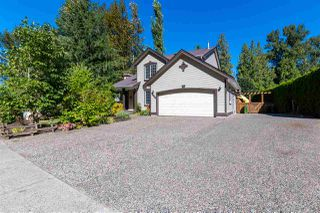 Photo 3: 47556 CHARTWELL Drive in Chilliwack: Little Mountain House for sale : MLS®# R2495101