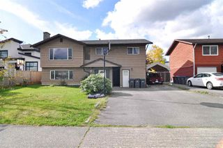 Main Photo: 6055 175A Street in Surrey: Cloverdale BC House for sale (Cloverdale)  : MLS®# R2509159
