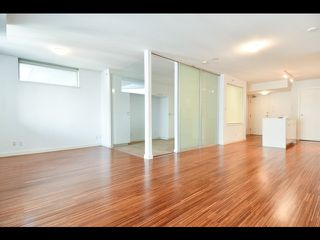 Photo 1: 1008 328 E 11 Avenue in : Mount Pleasant VE Condo for sale (Vancouver East)  : MLS®# R2514946