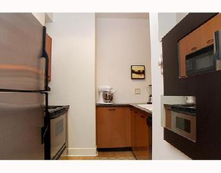 "Photo 7: 115 1823 W 7TH Avenue in Vancouver: Kitsilano Condo for sale in ""CARNEGIE"" (Vancouver West)  : MLS®# V663366"