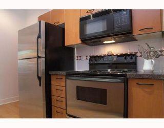 "Photo 6: 115 1823 W 7TH Avenue in Vancouver: Kitsilano Condo for sale in ""CARNEGIE"" (Vancouver West)  : MLS®# V663366"