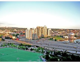 """Photo 2: 2601 550 TAYLOR Street in Vancouver: Downtown VW Condo for sale in """"TALOR"""" (Vancouver West)  : MLS®# V663608"""