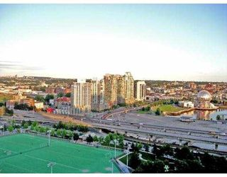 """Photo 1: 2601 550 TAYLOR Street in Vancouver: Downtown VW Condo for sale in """"TALOR"""" (Vancouver West)  : MLS®# V663608"""