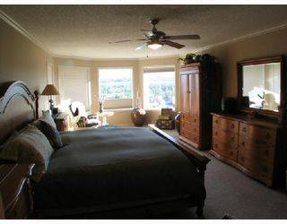 Photo 5: 46 Discovery Ridge View SW in CALGARY: Discovery Ridge Residential Detached Single Family for sale (Calgary)  : MLS®# C3283683