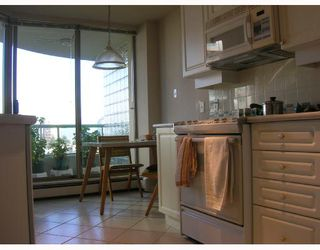 "Photo 3: 805 6188 PATTERSON Avenue in Burnaby: Metrotown Condo for sale in ""WIMBLETON CLUB"" (Burnaby South)  : MLS®# V677070"