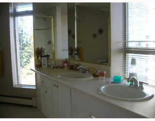 """Photo 5: 805 6188 PATTERSON Avenue in Burnaby: Metrotown Condo for sale in """"WIMBLETON CLUB"""" (Burnaby South)  : MLS®# V677070"""