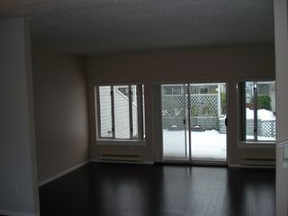 Photo 12: 112 - 13855 100 AVE in Surrey: Townhouse for sale : MLS®# F2900466