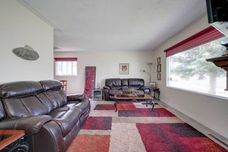 Photo 4: 15215 87 Avenue in Edmonton: Zone 22 House for sale : MLS®# E4165600