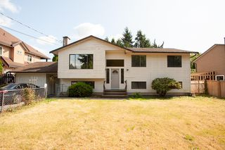 Main Photo: 18274 60 Avenue in Surrey: Cloverdale BC House for sale (Cloverdale)  : MLS®# R2402692