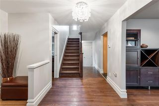 Photo 4: 6907 Legare Drive SW in Calgary: Lakeview Detached for sale : MLS®# C4275905