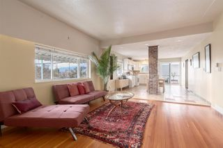 Photo 2: 2601 TURNER Street in Vancouver: Renfrew VE House for sale (Vancouver East)  : MLS®# R2440784