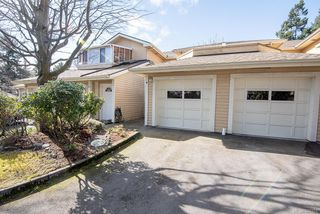 Photo 2: 4 909 Admirals Rd in Esquimalt: Es Esquimalt Row/Townhouse for sale : MLS®# 844251