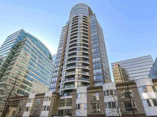 """Main Photo: 703 1166 MELVILLE Street in Vancouver: Coal Harbour Condo for sale in """"ORCA PLACE"""" (Vancouver West)  : MLS®# R2513384"""