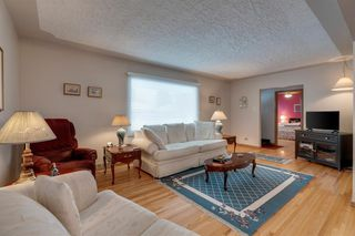Photo 5: 4020 5 Avenue SW in Calgary: Wildwood Detached for sale : MLS®# A1048141