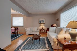Photo 3: 4020 5 Avenue SW in Calgary: Wildwood Detached for sale : MLS®# A1048141