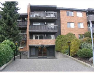"Photo 1: 107 1011 4TH Avenue in New_Westminster: Uptown NW Condo for sale in ""Crestwell Manor"" (New Westminster)  : MLS®# V683888"