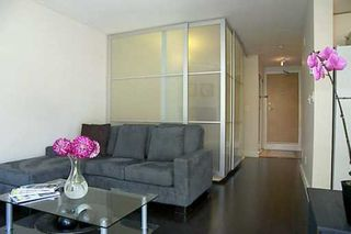 Photo 3: 107 1195 W 8TH AV in Vancouver: Fairview VW Townhouse for sale (Vancouver West)  : MLS®# V599925