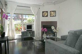 Photo 2: 107 1195 W 8TH AV in Vancouver: Fairview VW Townhouse for sale (Vancouver West)  : MLS®# V599925