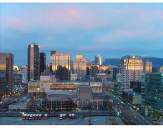 Photo 2: # 2108 131 REGIMENT SQ in Vancouver: Condo for sale : MLS®# V722859