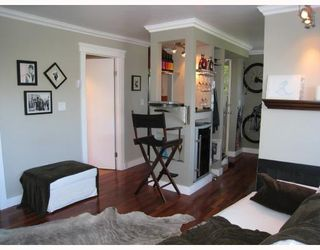 Photo 2: 201 2006 W 2nd Avenue in Vancouver: Kitsilano Condo for sale (Vancouver West)