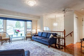 Photo 3: 944 CORNWALL Place in Port Coquitlam: Lincoln Park PQ House for sale : MLS®# R2417690