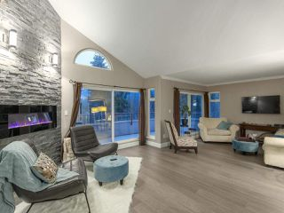 "Photo 4: 60 SHORELINE Circle in Port Moody: College Park PM Townhouse for sale in ""HARBOUR HEIGHTS"" : MLS®# R2439986"