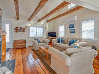 Photo 12: 58 Cumberland Street in Lunenburg: 405-Lunenburg County Residential for sale (South Shore)  : MLS®# 202009280
