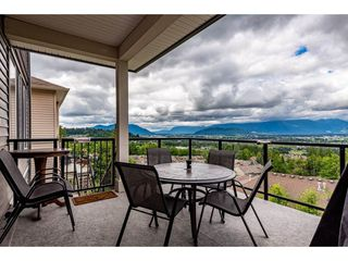 """Photo 2: 46865 SYLVAN Drive in Chilliwack: Promontory House for sale in """"Promontory"""" (Sardis)  : MLS®# R2470583"""