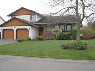 Photo 2: 1343 OCEAN VIEW AVE in COMOX: House/Single Family for sale : MLS®# 294707