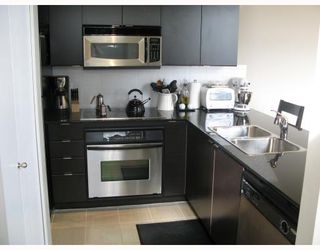 """Photo 2: 5 4178 DAWSON Street in Burnaby: Central BN Condo for sale in """"TANDEM"""" (Burnaby North)  : MLS®# V670510"""