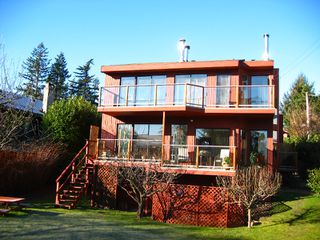 Photo 2: 1113 LENORA Road in Bowen_Island: Bowen Island House for sale : MLS®# V685352