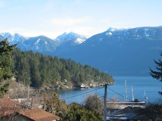 Photo 1: 1113 LENORA Road in Bowen_Island: Bowen Island House for sale : MLS®# V685352